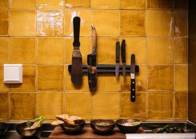 NOON Maastricht - porselein en keukeninventaris