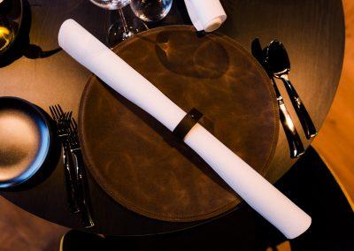 Maatwerk - Leren onderbord en servetring voor restaurant Rantree, Maastricht